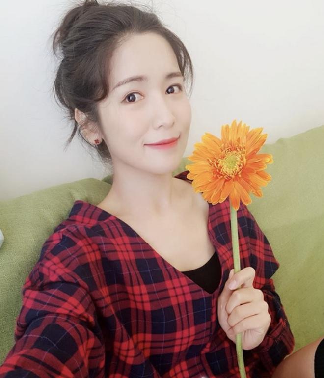 8 năm sau khi Wanbi Tuấn Anh qua đời, cuộc sống của bạn gái người Hàn Quốc hiện tại ra sao? - ảnh 15