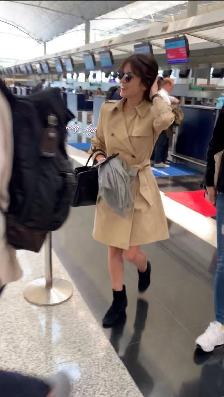 Bóc mẽ Song Hye Kyo: Ảnh thời trang khác hẳn đời thực với chiều cao gây lú, nhìn đôi chân mà haizzz - ảnh 14