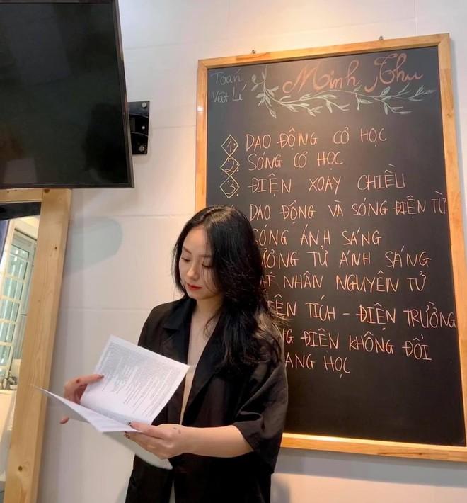 Sau màn livestrem gây bão, cô giáo Minh Thu đã có động thái đầu tiên trên MXH, đọc xuống comment càng nể thêm tài văn thơ - ảnh 5