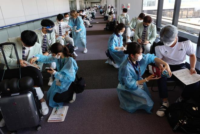 Lo ngại phóng xạ Fukushima, đoàn thể thao Hàn Quốc tự thuê người nấu và sàng lọc thức ăn cho vận động viên - ảnh 1