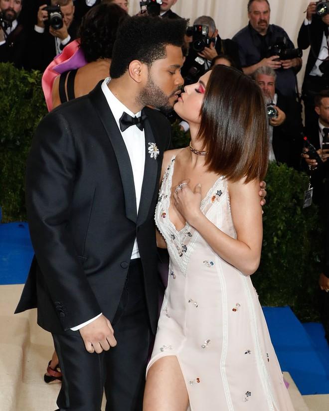 Selena Gomez và 9 bạn trai quá hot: Justin nhập nhằng bị Charlie Puth dằn mặt, The Weeknd quá tốt nhưng không khác gì Orlando - ảnh 12