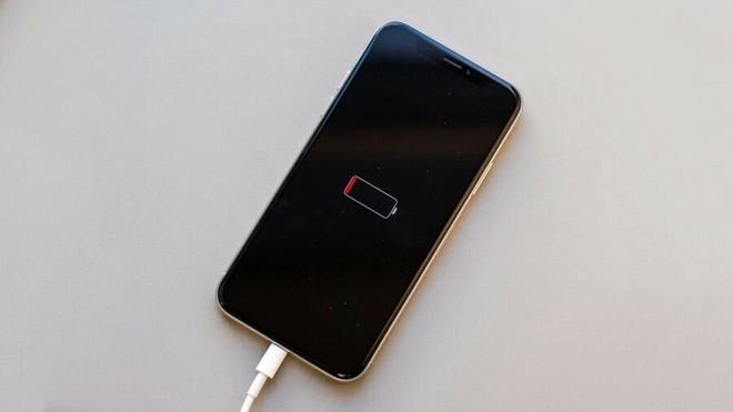 Mẹo tạo thông báo nhắc sạc iPhone siêu đỉnh khiến bạn trở nên độc nhất vô nhị, ném đi nỗi lo sập nguồn! - Ảnh 1.
