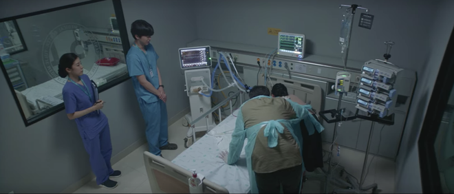 Hospital Playlist 2 tập 6: Hội F5 bóc phốt quá khứ đen tối, cặp đôi Vườn Đông chuẩn bị kết hôn? - ảnh 16