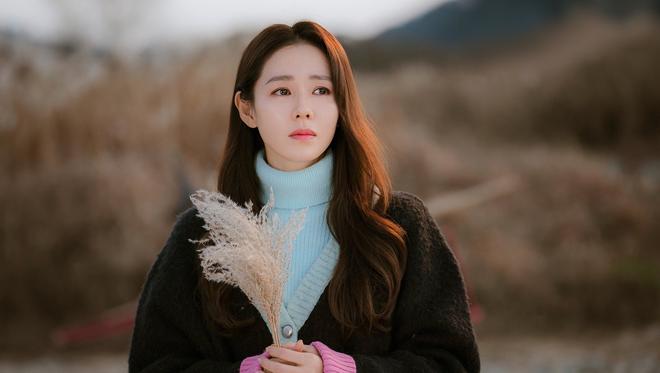 Không phải Son Ye Jin, đây mới là tình đầu quốc dân đời đầu xứ Hàn: Gia tài phim siêu khủng, U70 vẫn đẹp rạng rời - ảnh 1