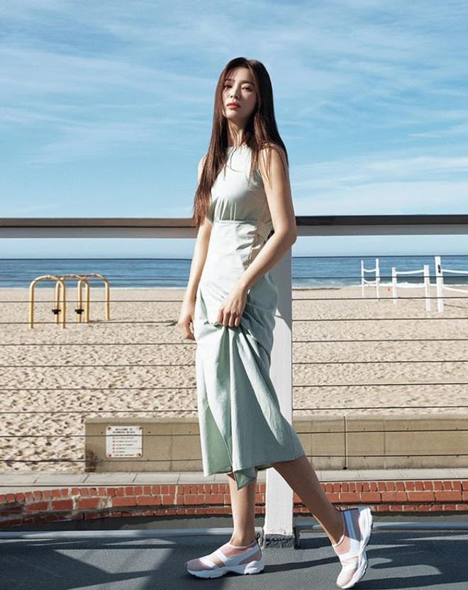 Bóc mẽ Song Hye Kyo: Ảnh thời trang khác hẳn đời thực với chiều cao gây lú, nhìn đôi chân mà haizzz - ảnh 24