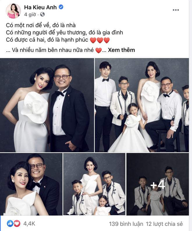 """Hà Kiều Anh kỉ niệm 14 năm ngày cưới sau ồn ào công chúa triều Nguyễn, visual cả nhà """"đỉnh chóp"""" nhưng có 1 điều gây tiếc nuối! - ảnh 1"""