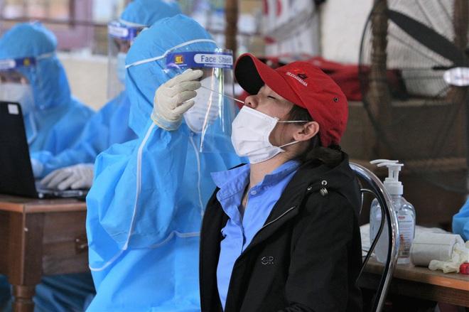 Đà Nẵng tìm nhiều shipper và người đến hàng loạt quán ăn khắp các quận, huyện liên quan ca COVID-19 mới - ảnh 2