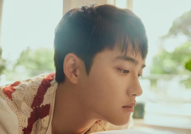 D.O. (EXO) tung teaser MV đẹp như đóng phim thanh xuân vườn trường, hát 3 thứ tiếng, cất giọng là chỉ muốn tan chảy - ảnh 6
