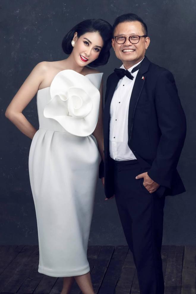 """Hà Kiều Anh kỉ niệm 14 năm ngày cưới sau ồn ào công chúa triều Nguyễn, visual cả nhà """"đỉnh chóp"""" nhưng có 1 điều gây tiếc nuối! - ảnh 2"""