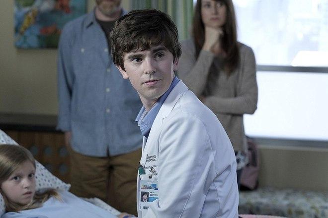 Xem The Good Doctor để được bác sĩ tự kỷ chữa lành, để hiểu vì sao đây là phim y khoa hot nhất hiện tại - ảnh 2