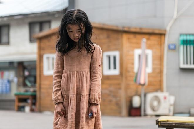 Profile cô bé át vía Jeon Ji Hyun ở Kingdom: 13 tuổi toàn đóng vai chính, nhan sắc không đùa được đâu - Ảnh 9.