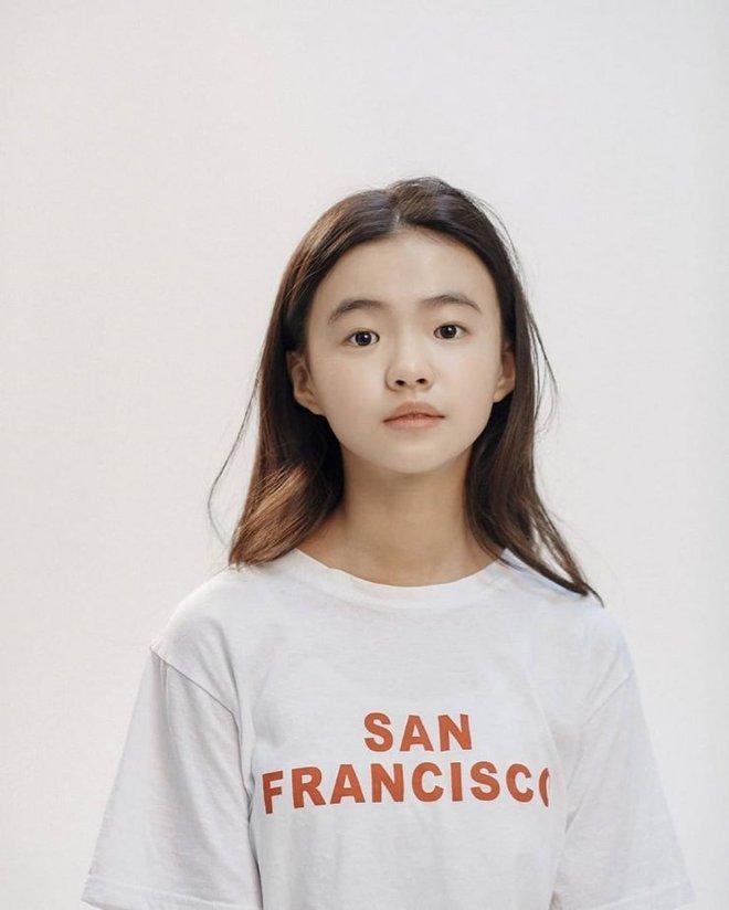 Profile cô bé át vía Jeon Ji Hyun ở Kingdom: 13 tuổi toàn đóng vai chính, nhan sắc không đùa được đâu - Ảnh 7.