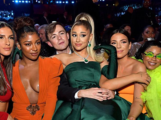 Ariana Grande và những outfit công chúa đỉnh của chóp, có set nhẩm tính sơ qua đã lên đến 243 tỷ đồng - ảnh 20