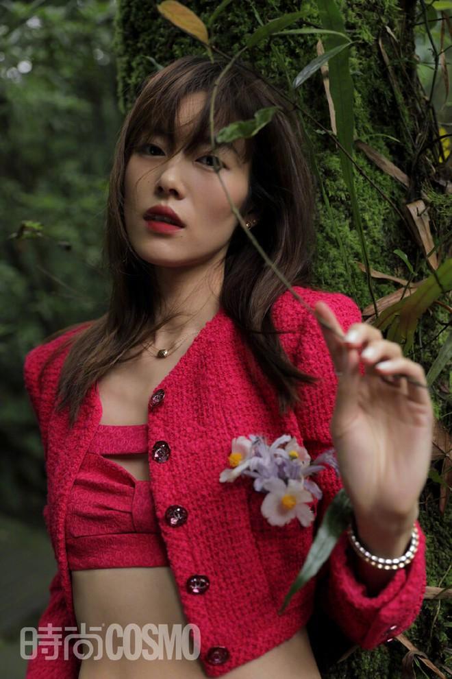 Cùng được Chanel đẩy bìa, Tống Thiến lép vế thấy rõ trước Châu Tấn, Liu Wen - ảnh 4