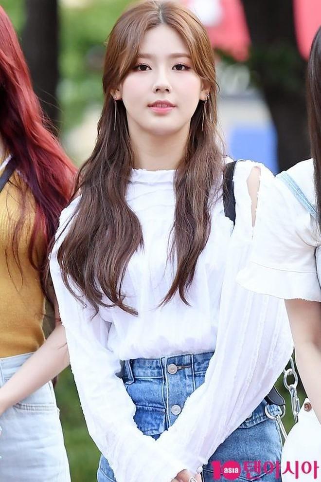 Từ câu chuyện của Miyeon ((G)I-DLE), ta sẽ rút ra bài học: Chưa cần thẩm mỹ, đổi style makeup là đã lột xác rồi - ảnh 5