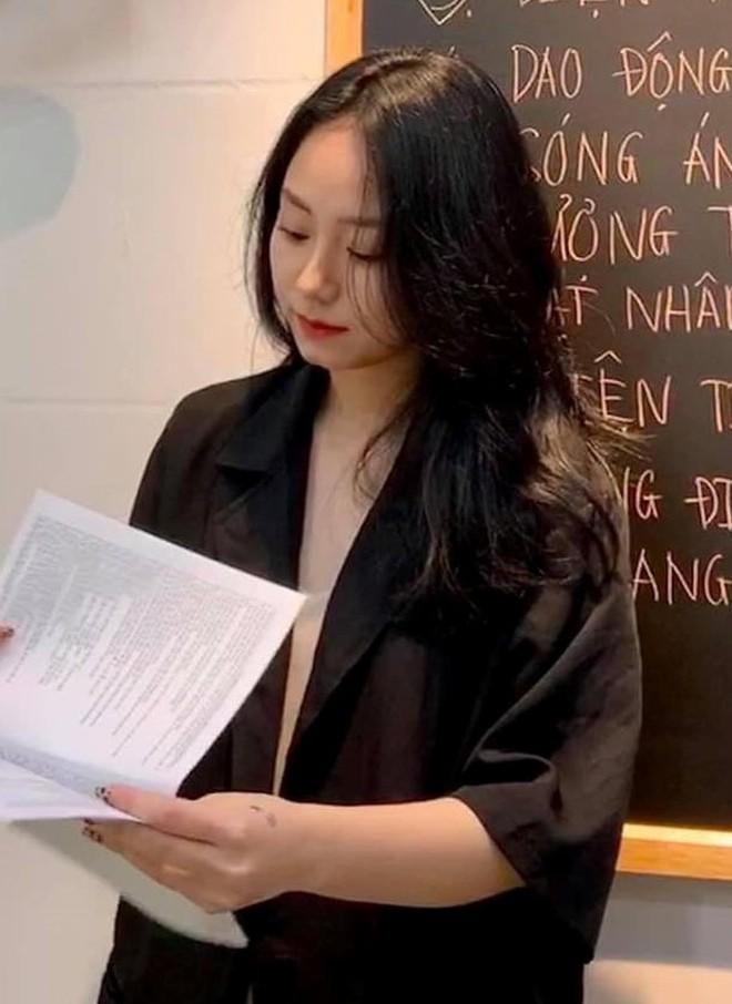 Cô giáo Minh Thu nói gì khi biết chủ tịch FPT vào xem livestream, còn để lại bình luận thâm thúy? - ảnh 2