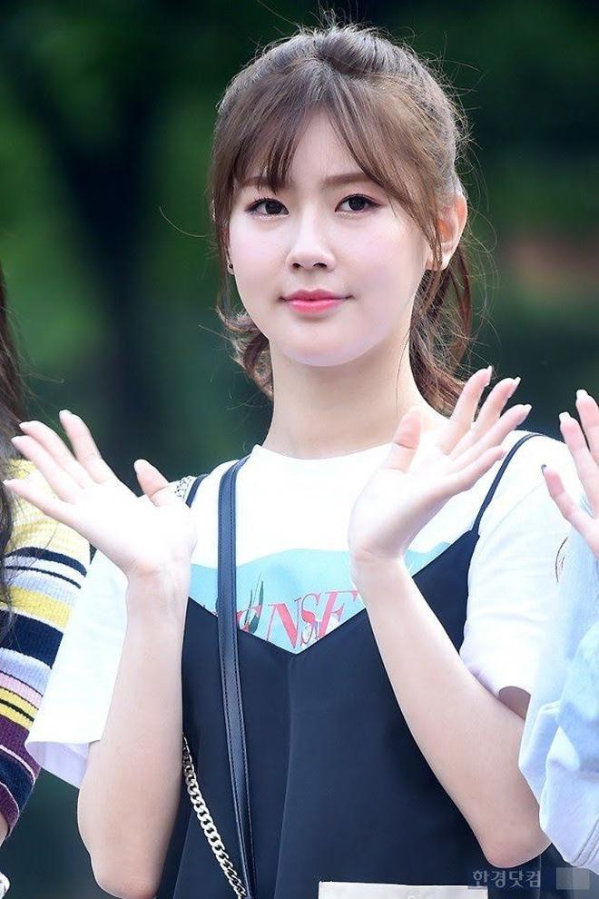 Từ câu chuyện của Miyeon ((G)I-DLE), ta sẽ rút ra bài học: Chưa cần thẩm mỹ, đổi style makeup là đã lột xác rồi - ảnh 3