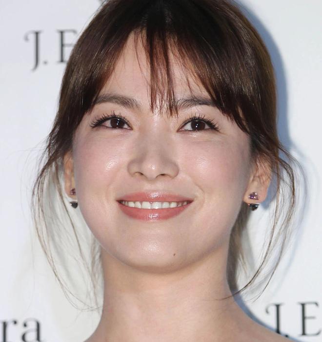 Song Hye Kyo rất hay quảng cáo mỹ phẩm, ok vậy soi cận da nàng xem thử coi - ảnh 5