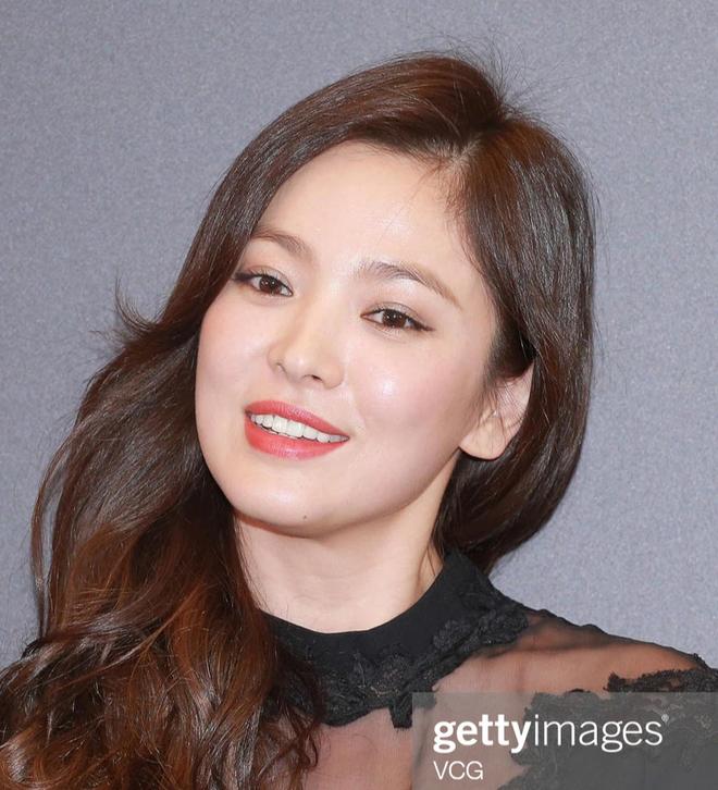 Song Hye Kyo rất hay quảng cáo mỹ phẩm, ok vậy soi cận da nàng xem thử coi - ảnh 8