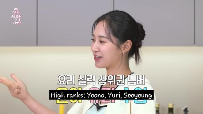 Yuri xếp hạng thành viên SNSD nấu ăn đỉnh nhất: Có kênh YouTube ẩm thực nhưng ngọc trai đen phải chào thua mỹ nhân này - Ảnh 2.