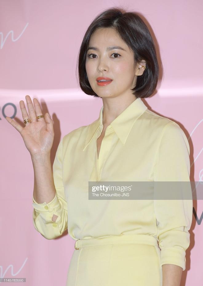 Song Hye Kyo rất hay quảng cáo mỹ phẩm, ok vậy soi cận da nàng xem thử coi - ảnh 11