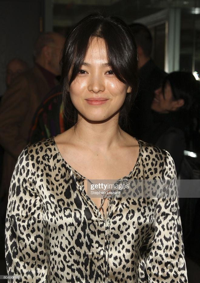 Song Hye Kyo rất hay quảng cáo mỹ phẩm, ok vậy soi cận da nàng xem thử coi - ảnh 12