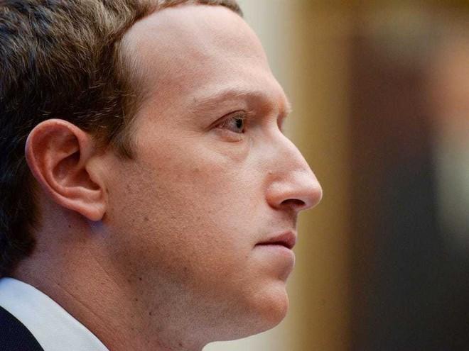 Mark Zuckerberg thừa nhận Facebook không bao giờ hết tin giả - ảnh 1
