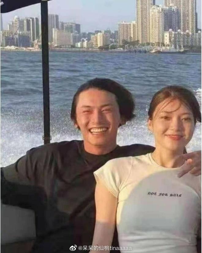 Mỹ nam Sơn Hà Lệnh lộ ảnh cầu hôn bạn gái 4 năm, động thái của nam thần Cung Tuấn mới khiến cả Cnet xôn xao - ảnh 1