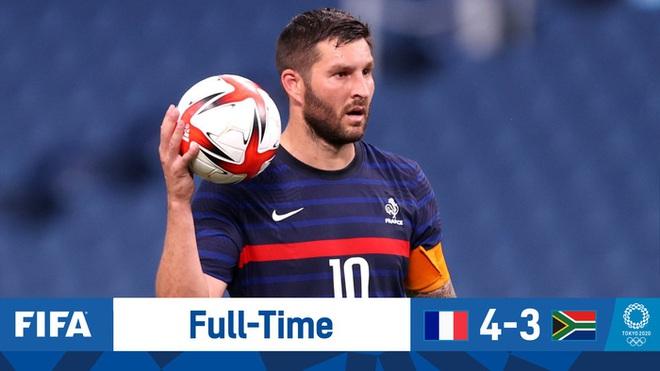 Trận đấu kịch tính nhất Olympic 2020: Đủ drama từ trượt pen, đá hỏng trước khung thành trống, rượt đuổi tỷ số 7 bàn chỉ trong 1 hiệp - ảnh 1