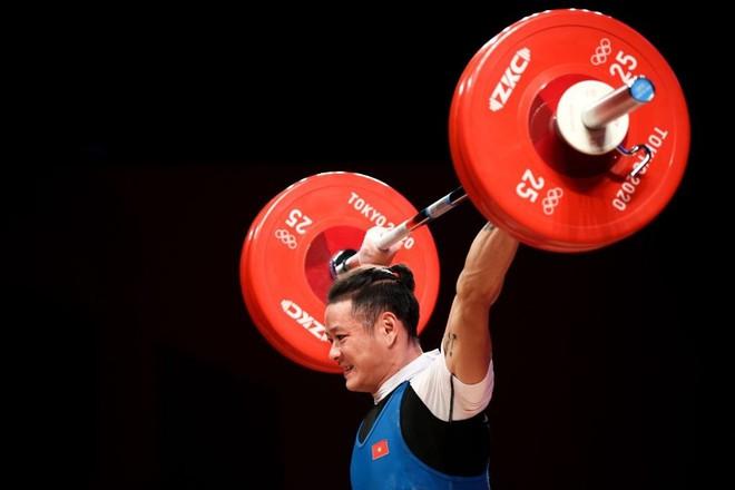 Thạch Kim Tuấn thi hỏng, lực sĩ Trung Quốc lập kỷ lục Olympic, đè bẹp đối thủ để ẵm HCV - ảnh 3