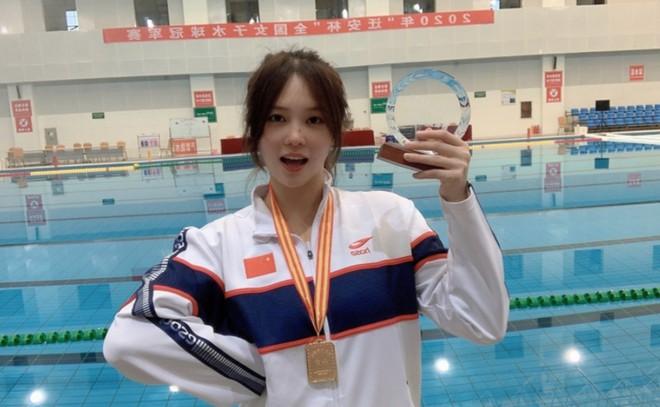 Đội trưởng đội bóng nước nữ Trung Quốc khiến MXH điên đảo chỉ sau 1 bức ảnh thi Olympic với nhan sắc cực phẩm, soi profile lại càng mê mệt - ảnh 3