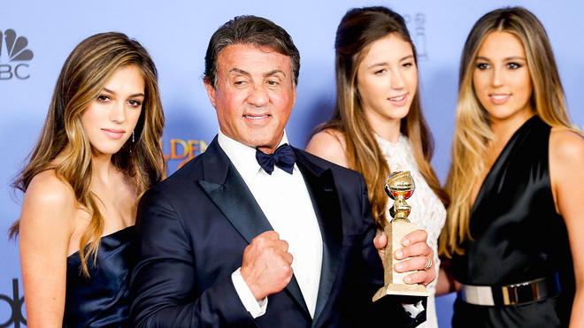 Không phải Kardashian, nhà tài tử Rambo mới là gia đình cực phẩm: Cả 3 ái nữ đều đẹp như Hoa hậu, mã gene báu vật là đây! - ảnh 1