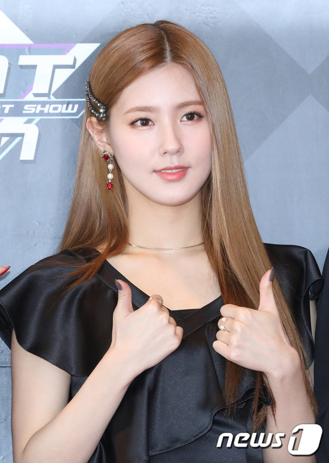 Từ câu chuyện của Miyeon ((G)I-DLE), ta sẽ rút ra bài học: Chưa cần thẩm mỹ, đổi style makeup là đã lột xác rồi - ảnh 2