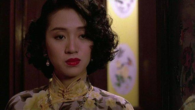 Bóng đen ghê rợn xuất hiện trên phim kinh điển TVB bị nghi là của nữ minh tinh quá cố nổi tiếng, thực hư ra sao? - ảnh 3