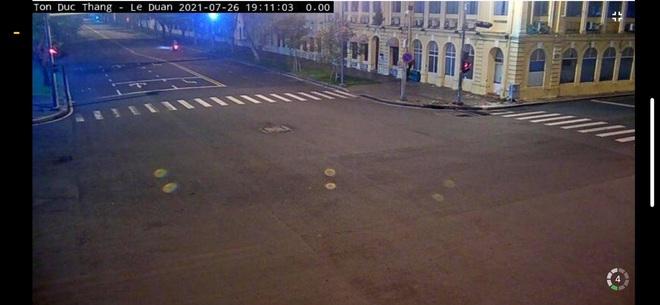 Trực tiếp: Toàn cảnh đường phố Sài Gòn sau 18h tối nay (26/7) - Ảnh 3.