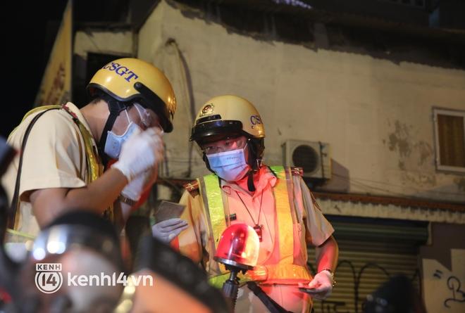 Trực tiếp: Toàn cảnh đường phố Sài Gòn sau 18h tối nay (26/7) - Ảnh 10.