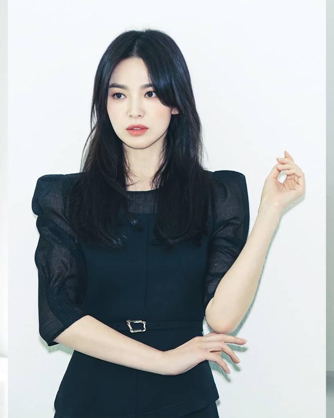 Tình cũ và tình mới Hyun Bin đọ sắc cực gắt: Nhan sắc cân não, nghía đến body Son Ye Jin nhỉnh hơn hẳn Song Hye Kyo? - ảnh 6