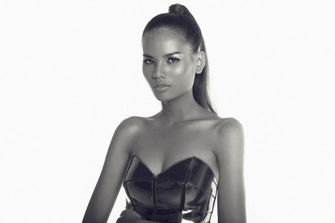 Hiếm có trong showbiz: Có 1 người đẹp vừa là thủ khoa Ngoại thương, vừa là top 5 Hoa hậu Hoàn vũ VN! - ảnh 1