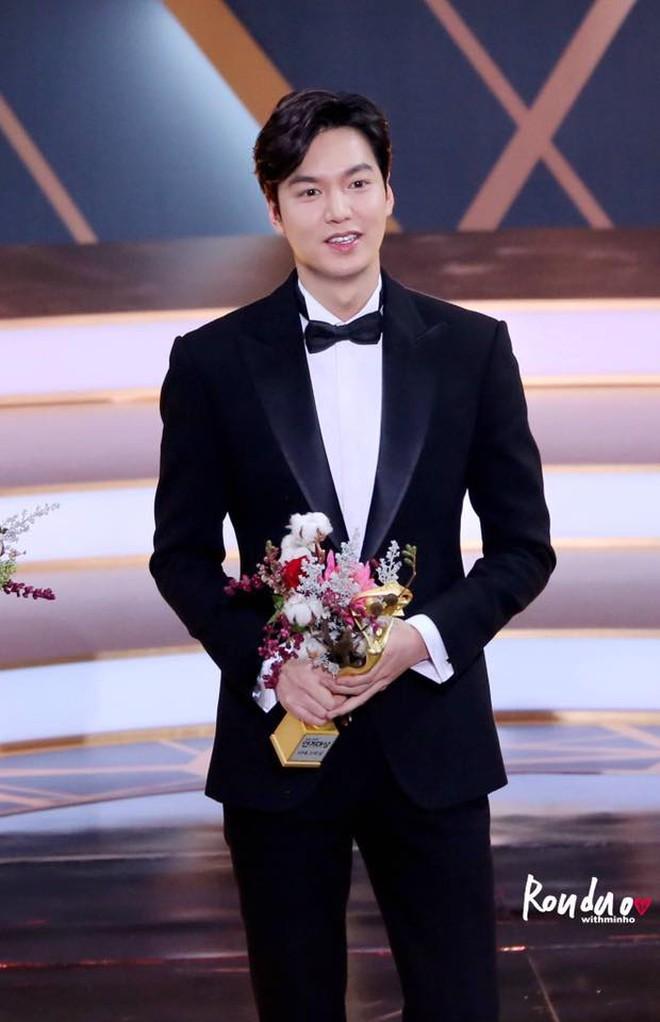 Dàn sao Hàn đổ bộ đài truyền hình: Mỹ nhân T-ara xinh xỉu, Lee Kwang Soo lột xác đến mức được so với cả... Lee Min Ho? - Ảnh 5.