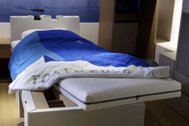 Giường bìa cứng chắc hơn cả gỗ tại Olympic Tokyo: Cuối cùng cũng sập! - ảnh 1