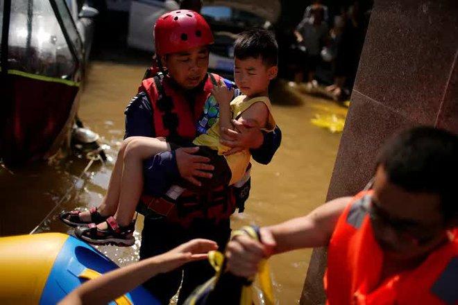 Mưa lũ Trung Quốc: Người chết gia tăng, thêm cảnh báo ảm đạm - ảnh 3