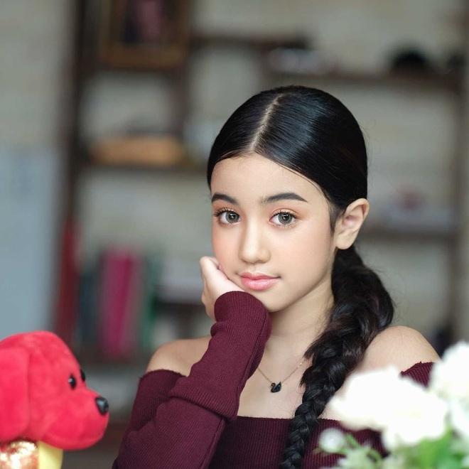 Viên ngọc quý của Hoàng gia Campuchia: Tiểu công chúa với vẻ đẹp lai cực phẩm dù mới 10 tuổi, soi thành tích chỉ biết xuýt xoa quốc bảo - ảnh 9