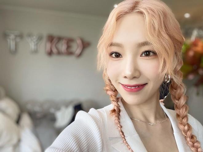 Sao Hàn dạo này đang mê tít tóc tết, học theo trông không như nàng thơ thì cũng hack tuổi siêu đỉnh - ảnh 8