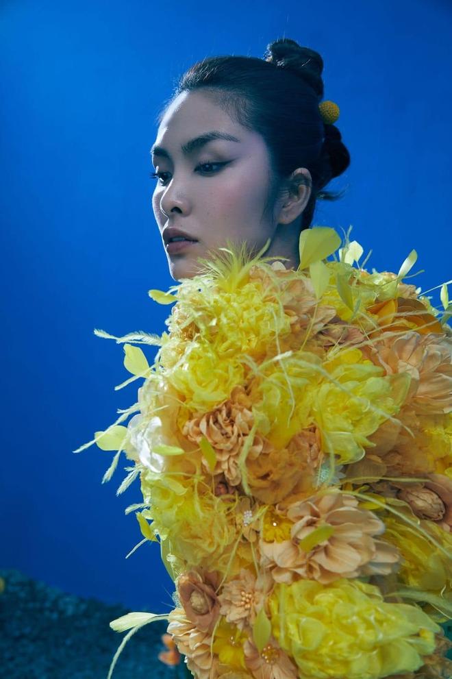 """Tại sao nói Hà Tăng là mỹ nhân hàng đầu Vbiz? Xem full bộ ảnh khoe cận góc mặt sắc lẹm và body """"bức thở"""" này là rõ - Ảnh 2."""