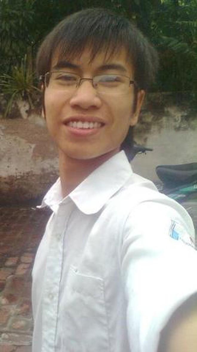Nam sinh 9 năm trước khóc ngất ở sân bay Nội Bài vì gặp thần tượng: Bị chế ảnh khắp MXH, cuộc sống hiện tại thay đổi ngoạn mục - ảnh 4