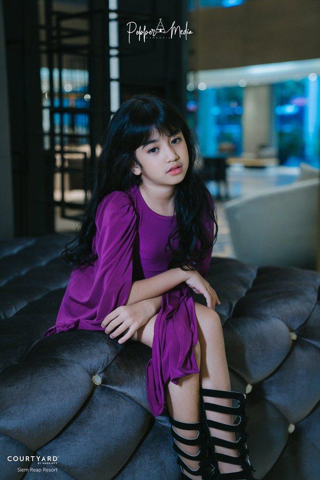 Viên ngọc quý của Hoàng gia Campuchia: Tiểu công chúa với vẻ đẹp lai cực phẩm dù mới 10 tuổi, soi thành tích chỉ biết xuýt xoa quốc bảo - ảnh 4
