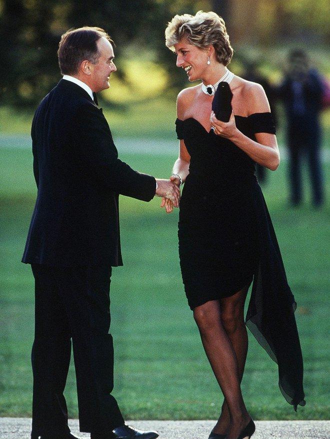 Mấy ai biết rằng đằng sau chiếc đầm này của công nương Diana là 1 câu chuyện đau lòng - ảnh 5