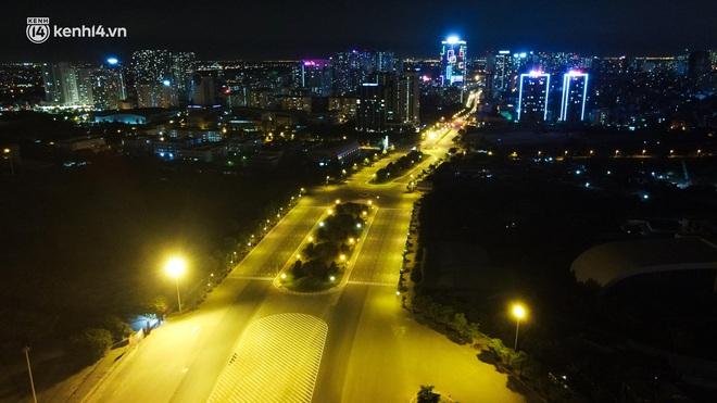 Ảnh: Đêm Hà Nội vắng hơn Tết, đường phố không một bóng người trong những ngày giãn cách xã hội - ảnh 8