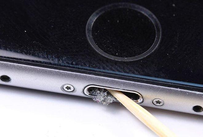 Điện thoại rất bẩn và đây là cách vệ sinh đúng cách, nhanh gọn mà hiệu quả - ảnh 7