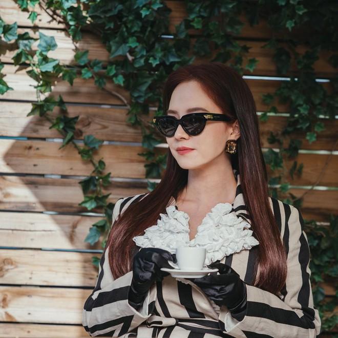 Không nhận ra Mợ Ngố Song Ji Hyo trong phim mới: Tạo hình sang nhưng khiến cô già hơn, phản ứng của netizen lại đáo ngược - ảnh 8